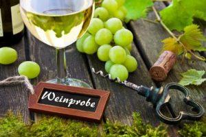 Trauben-mit-Wein